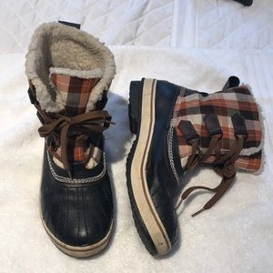 Sorel Boots lined with Shearling (8.5)
